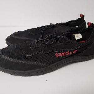 Speedo mens surf knit water shoes size 9/10